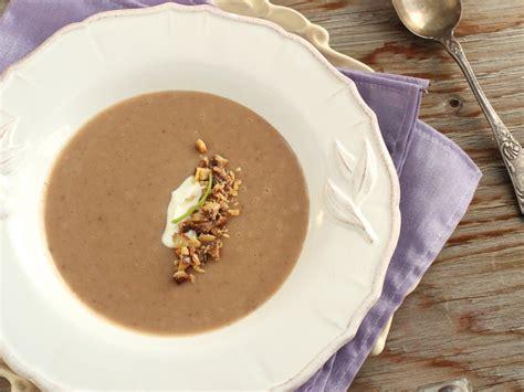 soupe rustique aux ch 226 taignes recette de soupe rustique aux ch 226 taignes marmiton