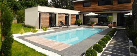 amenager autour piscine dalles pierres piscine dalle dalles et piscines