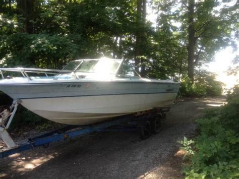 Rinker Boats Any Good by 1984 Rinker Boats Powerboat For Sale In Indiana
