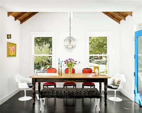 les chaises d 233 pareill 233 es qui 233 gayent l ambiance de la salle 224 manger moderne design feria