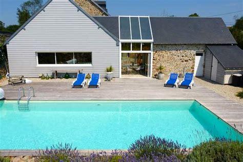locations vacances piscine normandie manche tourisme
