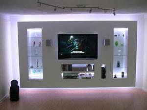 Indirekte Beleuchtung Fernseher : die besten 25 tv wand trockenbau ideen auf pinterest tv wand do it yourself rigips und mauer ~ Markanthonyermac.com Haus und Dekorationen