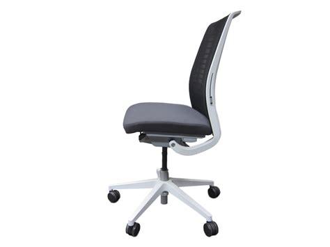 fauteuil steelcase think v2 mod 232 le d expo adopte un bureau