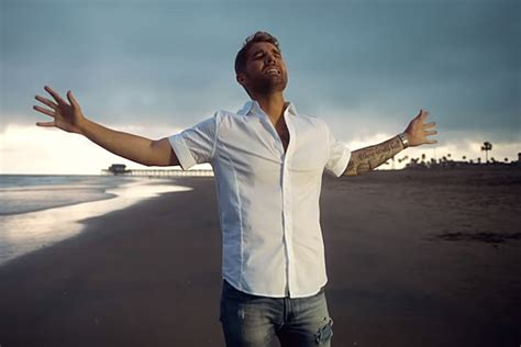 Brett Young Stars In Steamy 'here Tonight' Music Video