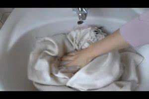Wolldecke Fusselt Was Tun : video der wollschal fusselt das k nnen sie tun ~ Markanthonyermac.com Haus und Dekorationen