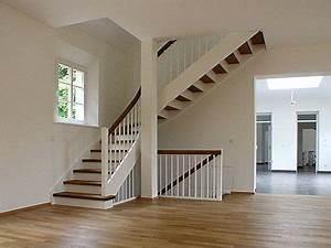 Halbgewendelte Treppe Mit Podest : die 25 besten ideen zu gewendelte treppe auf pinterest stiegengel nder stiegen und ~ Markanthonyermac.com Haus und Dekorationen