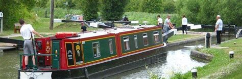 Holiday On A Boat Uk by The 25 Best Canal Boat Holidays Ideas On Pinterest