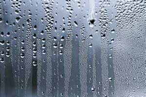 Ideale Luftfeuchtigkeit Wohnung : schimmel im bad entfernen ursache folgen und beseitigung ~ Markanthonyermac.com Haus und Dekorationen