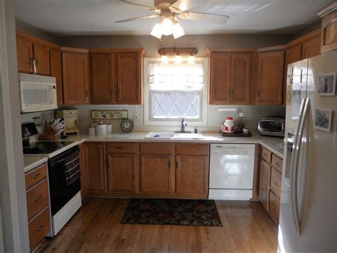 Antique_white_painted_kitchen_cabinets_before_jan_2016_012 Home - Design & Decor Shopping Review Software Freeware Online Story Dream Life Degree For Game Impressions Expo Your Kitchen At Products Indiana