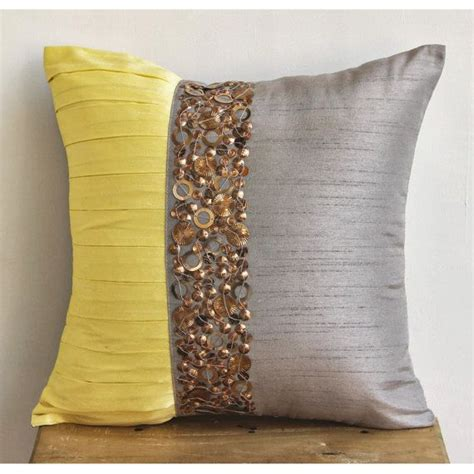 25 best ideas about pillow covers on diy pillow covers sew pillows and easy