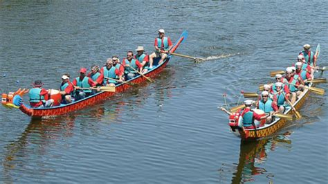 Dragon Boat Racing East London by Dragon Boats And Yoga Sport Relief Comes To Canary Wharf