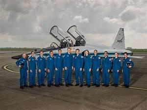 La NASA dévoile la promotion d'astronautes qui ira (peut ...