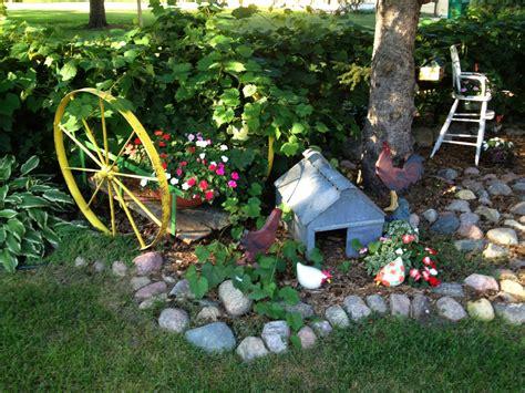 Garden Art : The Gardening Corner