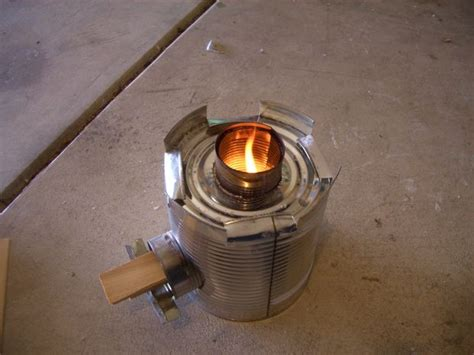 How to make a Rocket Stove from a #10 Can and 4 Soup cans