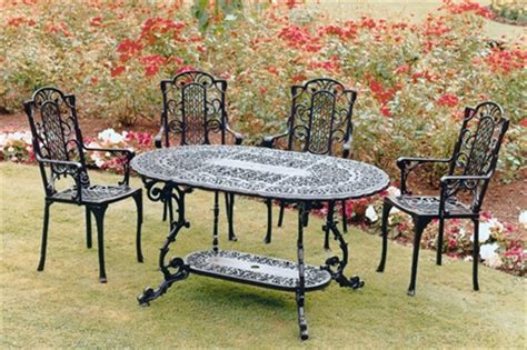 Paint For Wrought Iron Garden Furniture wrought iron garden furniture landscaping gardening ideas