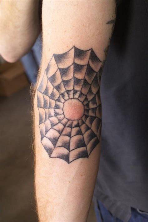 65 bons et nouveaux tatouages sur les coudes