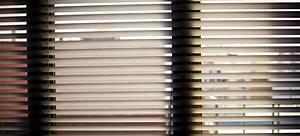 Sichtschutz Fenster Innen : verschiedene varianten von fenster jalousien innen gegen sonneneinstrahlung und sichtschutz ~ Markanthonyermac.com Haus und Dekorationen