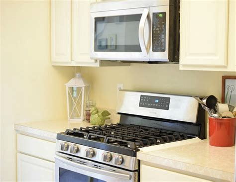 How To Clean White Kitchen Cabinets Outdoor Moravian Star Light White Lighting Solar Australia Green Lights Led Street System Bullet Nautical Post Christmas Tree