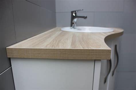 comment installer une vasque sur un plan de travail