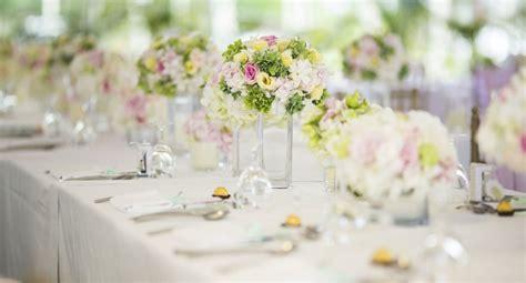 d 233 co mariage les r 232 gles pour un centre de table r 233 ussi cosmopolitan fr