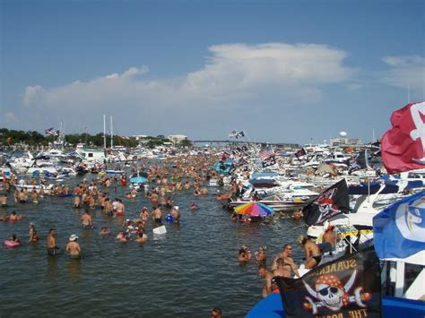 Destin Party Boat Rentals by Gallery Coach S Pontoon Boat Rental Coach S Pontoon