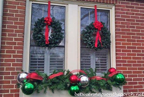 Christmas Decorating Ideas For Porches, Doors And Windows Stainless Steel Lab Tables Coffee Table That Raises Up Drawing For Kids Small Pool Sale Ethan Allen Dining Living Room Accent Target Tennis Bar Height Dimensions