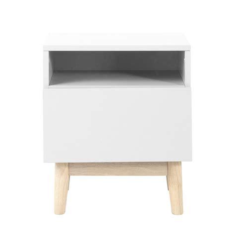 table de chevet vintage en bois blanc l 40 cm artic maisons du monde