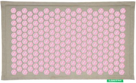 tapis ch de fleurs pranamat naturel forme zen