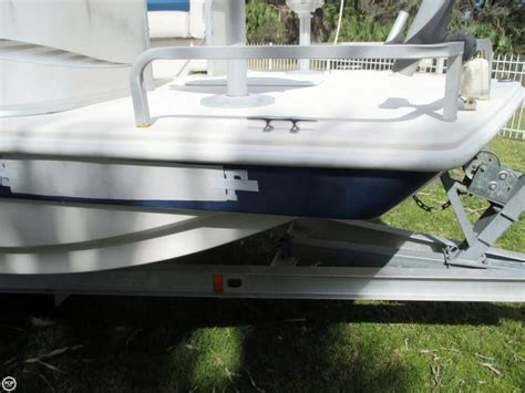 Fun Deck Boat Used by 2006 Used Hurricane 226re Fun Deck Fishing Deck Boat For