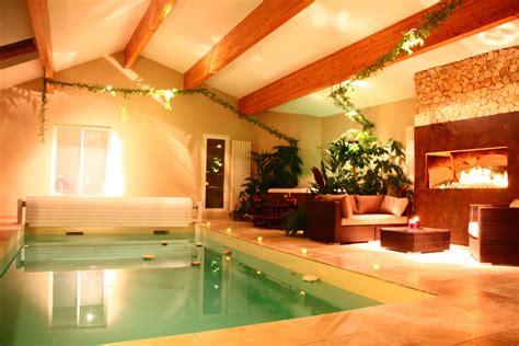 chambre avec chemin 233 e piscine int 233 rieure chauff 233 e et privatifs