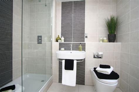 Small Bathroom, No Problem!