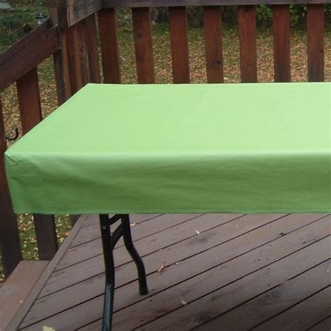 100 fitted vinyl tablecloths with umbrella