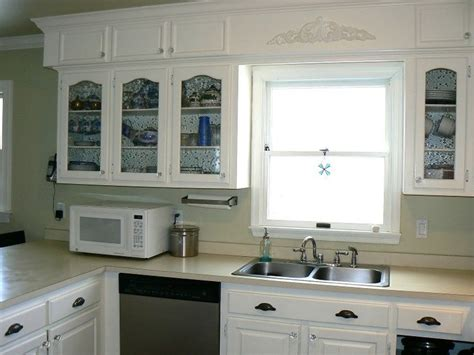 25 best ideas about kitchen soffit on soffit ideas crown molding kitchen and white