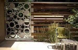 Kleiner Gartenzaun Holz : moderne gartenz une schaffen sichtschutz im au enbereich ~ Whattoseeinmadrid.com Haus und Dekorationen