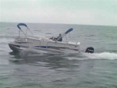 Tritoon Boat Rough Water by Highrider Rough Water Handling Youtube