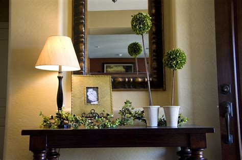 Home Entryway Decorating  Kids Art Decorating Ideas