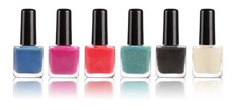 Is Painting On Nail Polish A Harmless Beauty Aid?