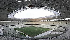 Fußball Weltmeisterschaft 2014 Stadien : meilenstein f r brasilien ~ Markanthonyermac.com Haus und Dekorationen