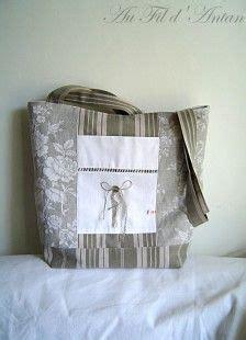 sac en tissu toile de matelas kaki clair et blanc 224