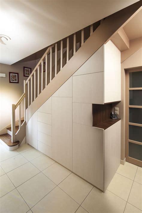 amenagement sous escalier photos accueil design et mobilier