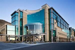 50 Amazingly Beautiful University Hospitals in North America