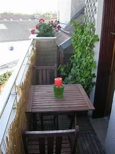 Kleiner Gartenzaun Holz : balkonverkleidung kleiner balkon bambusmatten spaliere tisch holz einrichtung garten ~ Whattoseeinmadrid.com Haus und Dekorationen