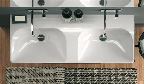 installer un lavabo salle de bain lavabo salle de bain de design italien moderne en ides