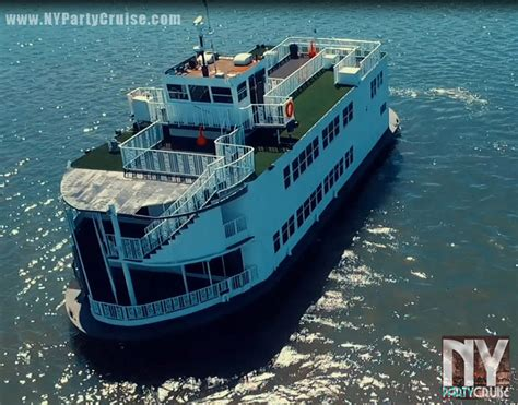 Paddle Boat Queen Nyc by New Year S Eve Fireworks Dance Cruise Paddle Wheel Queen