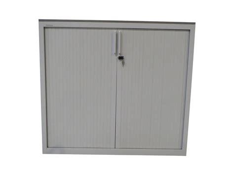 armoire 224 rideaux blanche 120x130 mod 232 le d exposition adopte un bureau