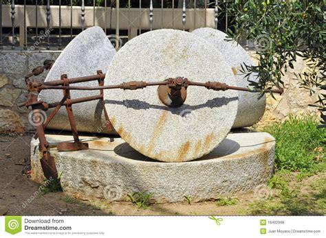 moulin antique d huile d olive photos libres de droits image 16402998