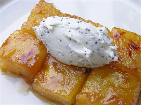 ananas caram 233 lis 233 au beurre sal 233 quenelle de ch 232 vre frais au pavot panier de saison
