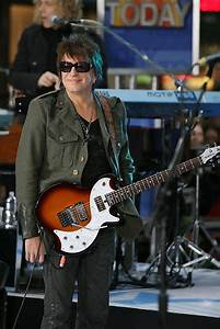 "Richie Sambora Photos Photos - Bon Jovi Performs on ""The ..."