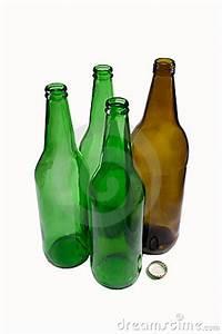Leere Flaschen Für Likör : leere flaschen bier lizenzfreies stockbild bild 8406646 ~ Markanthonyermac.com Haus und Dekorationen