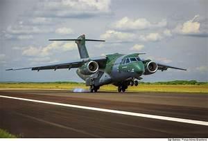 Aeronave brasileira KC-390 em fase final de certificação ...